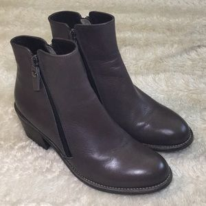 New double zipper grey gorgeous AGL Attilio boots